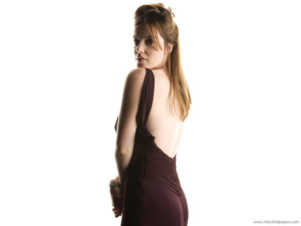http://2.bp.blogspot.com/-sFCQqAu5ciE/Tpw6OmcZ2WI/AAAAAAAAMNA/M2TseSuxJ2Q/s1600/british_actress_michelle_ryan_wallpaper.jpg