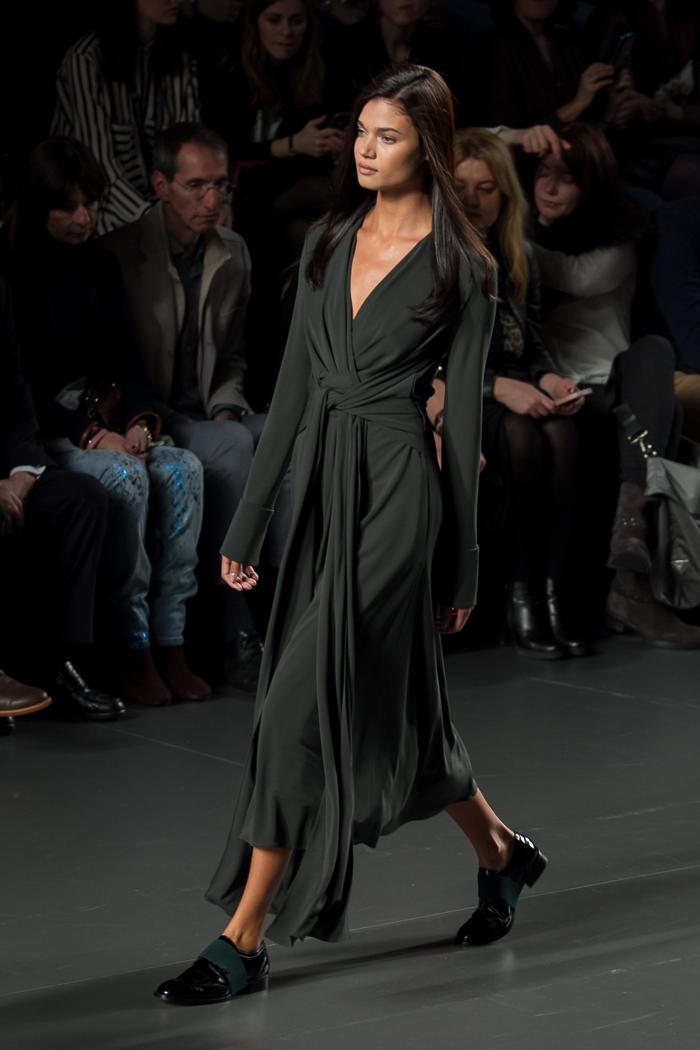 Maxi Vestido punto de seda  Verde oliva anudado escote Favorito selección Blogger moda valenciana  withorwithoutshoes