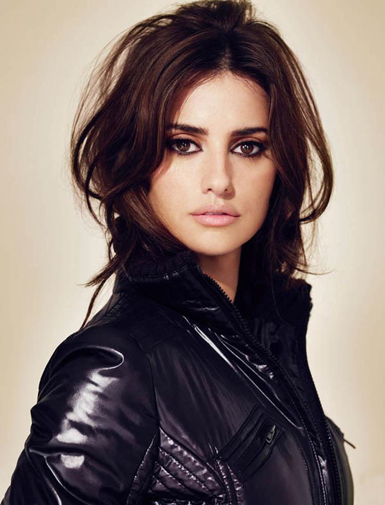 Fresh Look Celebrity Penelope Cruz Hairstyles 34