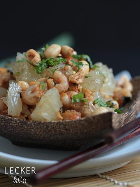 Yam Somm-O, Pomelo, Honigpomelo, Garnelen, Krabben, Hähnchen, Frühlingszwiebel, Erdnüsse, Asia, asiatisch, vietnam, vietnamesisch, Salat, Koriander, Minze