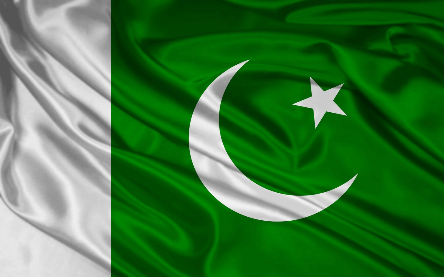 http://2.bp.blogspot.com/-sFP8wiTCgKk/TdWNhCX9FZI/AAAAAAAABE4/MxfYuRsEguU/s1600/Wallpapers+Flag+of+Pakistan+Pakistani+Flag+Graphics+%25289%2529.jpg