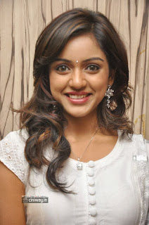 Vithika-Sheru-Stills-at-Prema-Ishq-Kadhal-Press-Meet