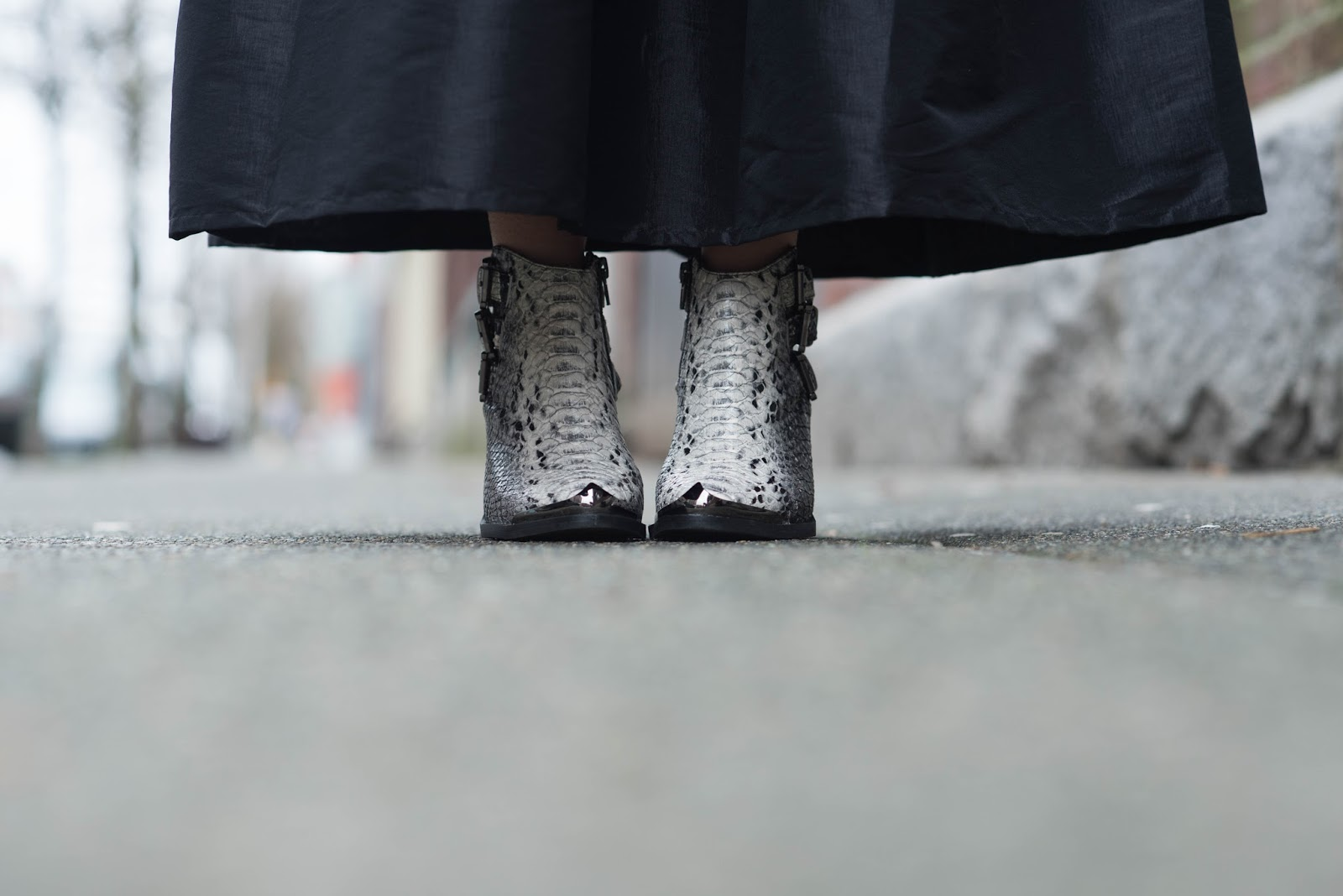 coco and vera top vancouver fashion blog jeffrey campbell snakeskin ankle boots black maxi skirt