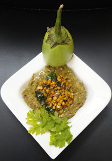 Smoked brinjal Chutney ( Vankaya Kalchina Pachadi)