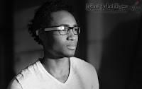 'Google Glass' نظارات بكاميرا مدمجة ومذياع يمكن وصلها بشبكة الإنترنت
