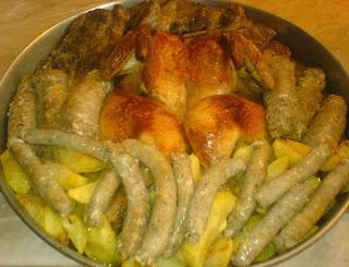 fripturi, mancare, friptura de pui intreg la cuptor cu o garnitura de cartofi, retete culinare, retete cu pui, preparate din pui, retete de mancare, preparate culinare, mancaruri cu pui, pui, retete si preparate culinare cu carne de pui, cartofi la cuptor, cartofi,