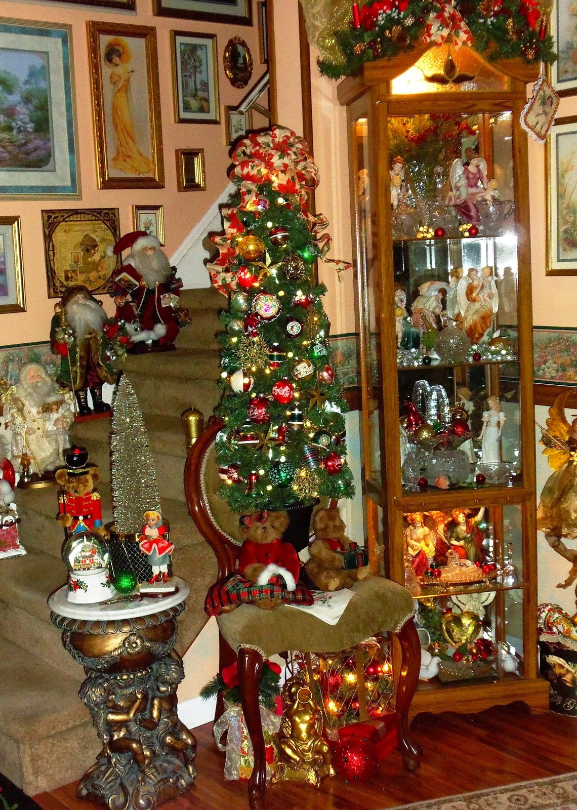 An Old Fashioned Christmas in Half of the Living Room, Part 4 ,Christmas Home Tour 2014