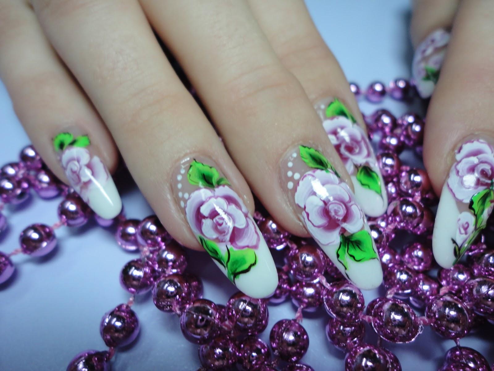 Фото красивого дизайна ногтей с рисунками