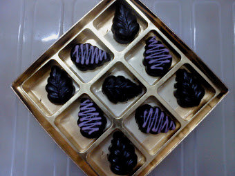 Dark Choco Leaf Shape (8 pieces)