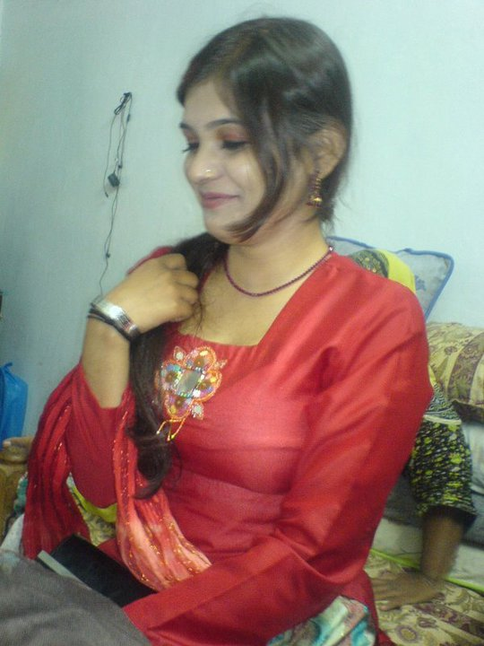 Kashmiri aunty