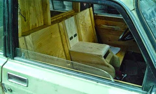 Αυτή την πατέντα ΜΟΝΟ ΕΛΛΗΝΑΣ! Δείτε τι έκανε στο αμάξι του... [photo]