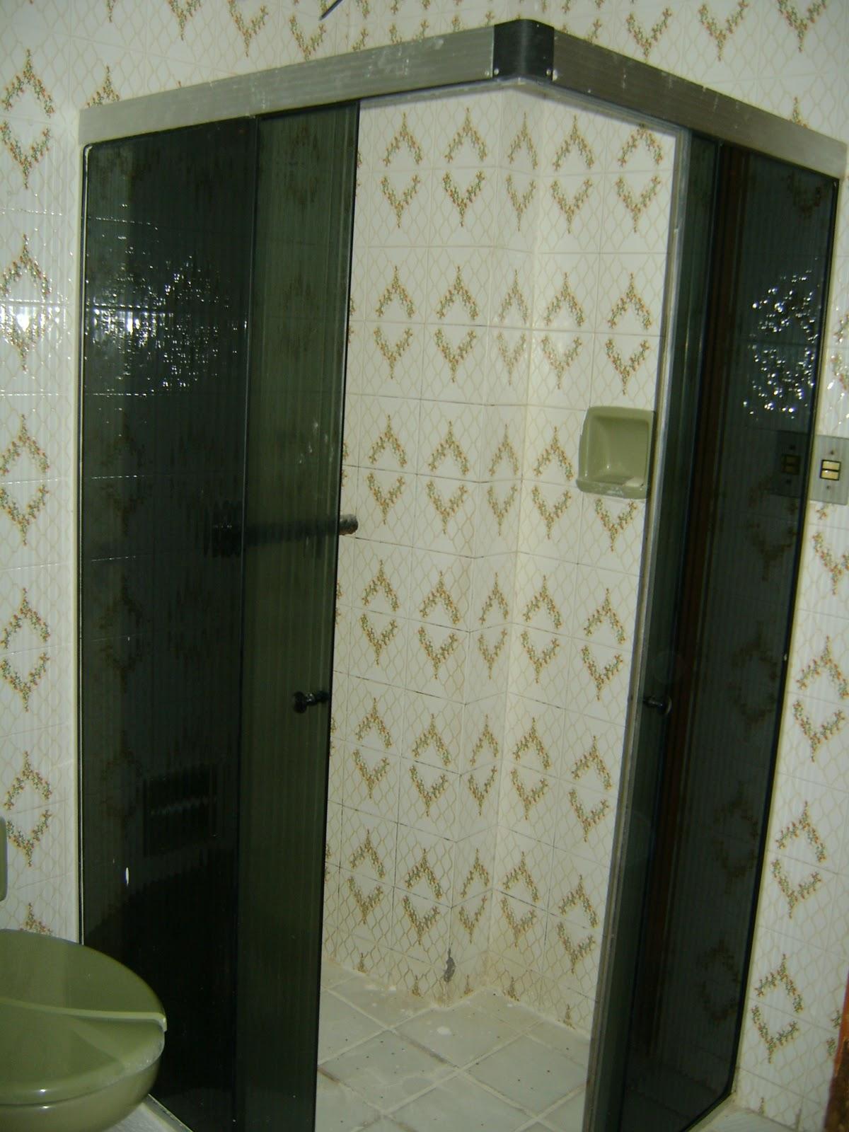 Antes e (quase) Depois: banheiro social!!:Dicas e Decorar: Decoração  #644327 1200x1600 Banheiro Antigo Antes E Depois