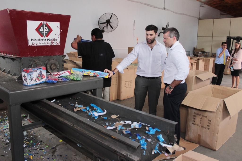 Fiscal procedió a la destrucción de mercaderías incautadas de dudosa ...