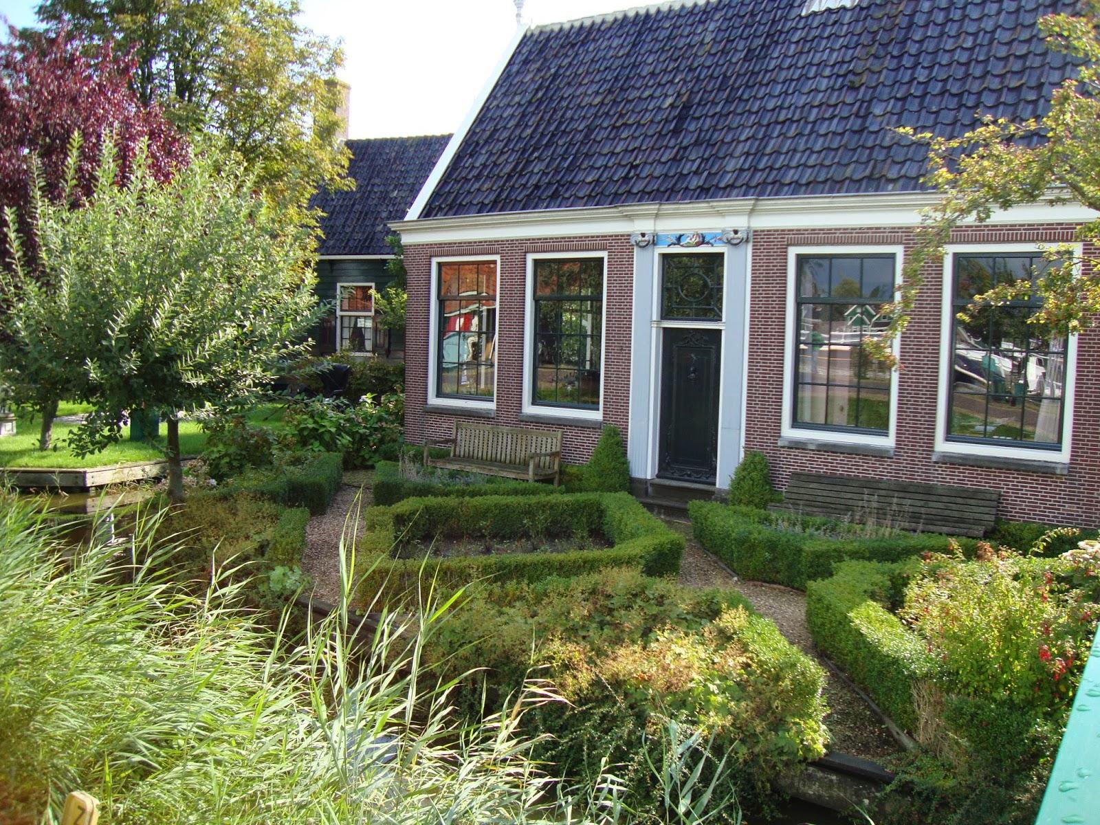 Foto piccoli giardini trendy giardini progetti pro ti di for Foto giardini piccoli