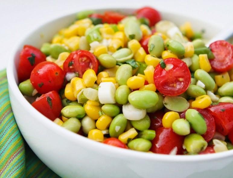 Salada de Milho com Edamame e Tomate Cereja (vegana)