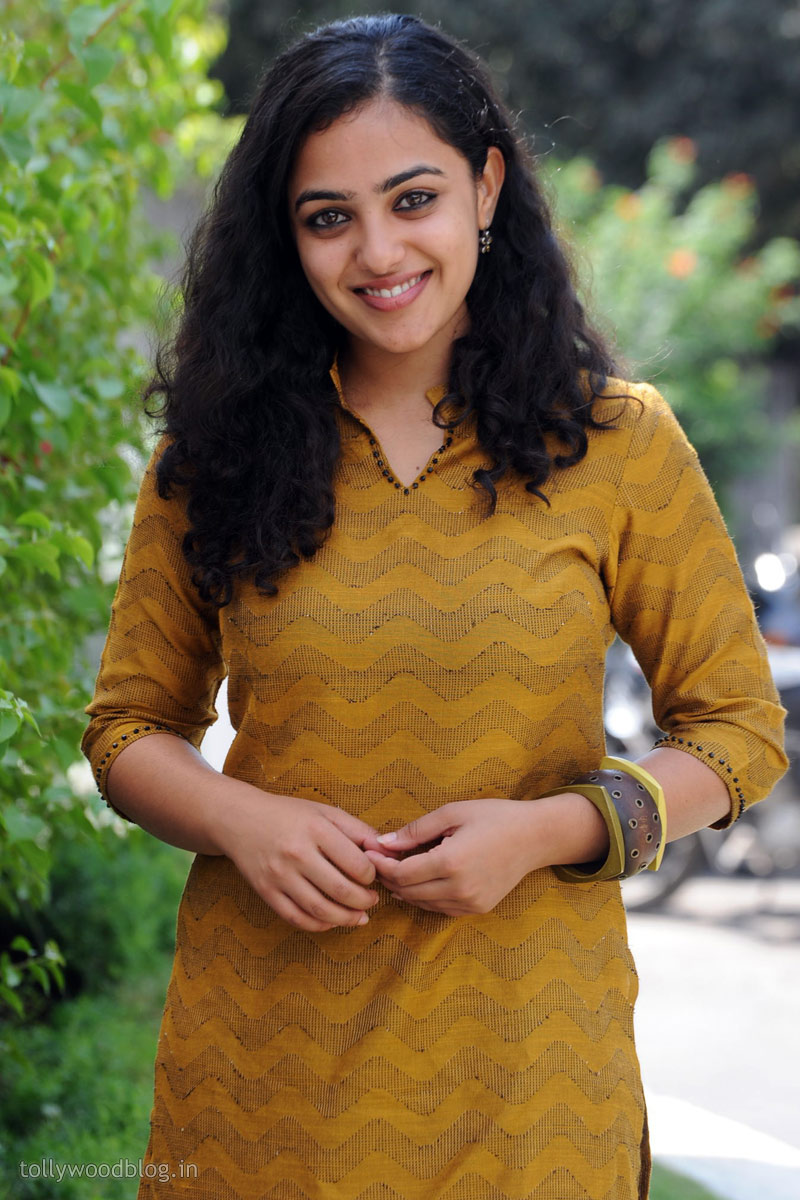 amazing blog art: nitya menon new cute stills 003