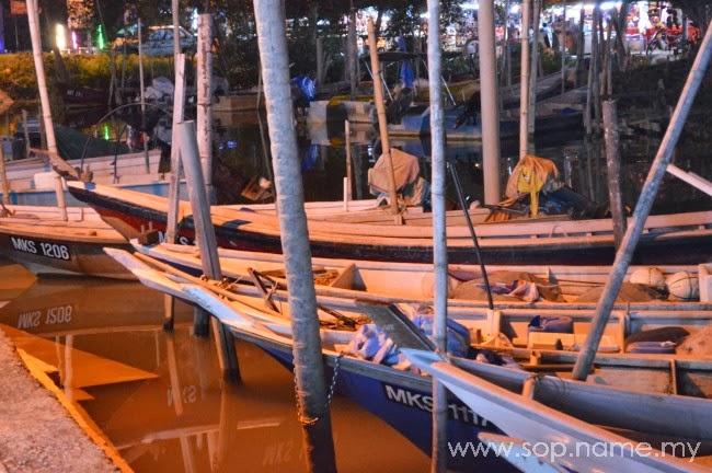 Makan malam di Seri Muara Alai, Melaka