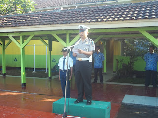 Kampanye Keselamatan Berlalu Lintas  di SMPN 8 Cimahi