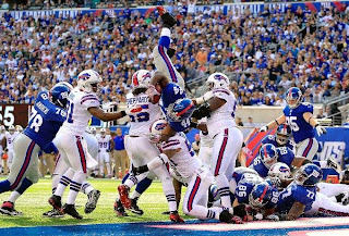 Ahmad Bradshaw goes head over heels, a microcosm for the league