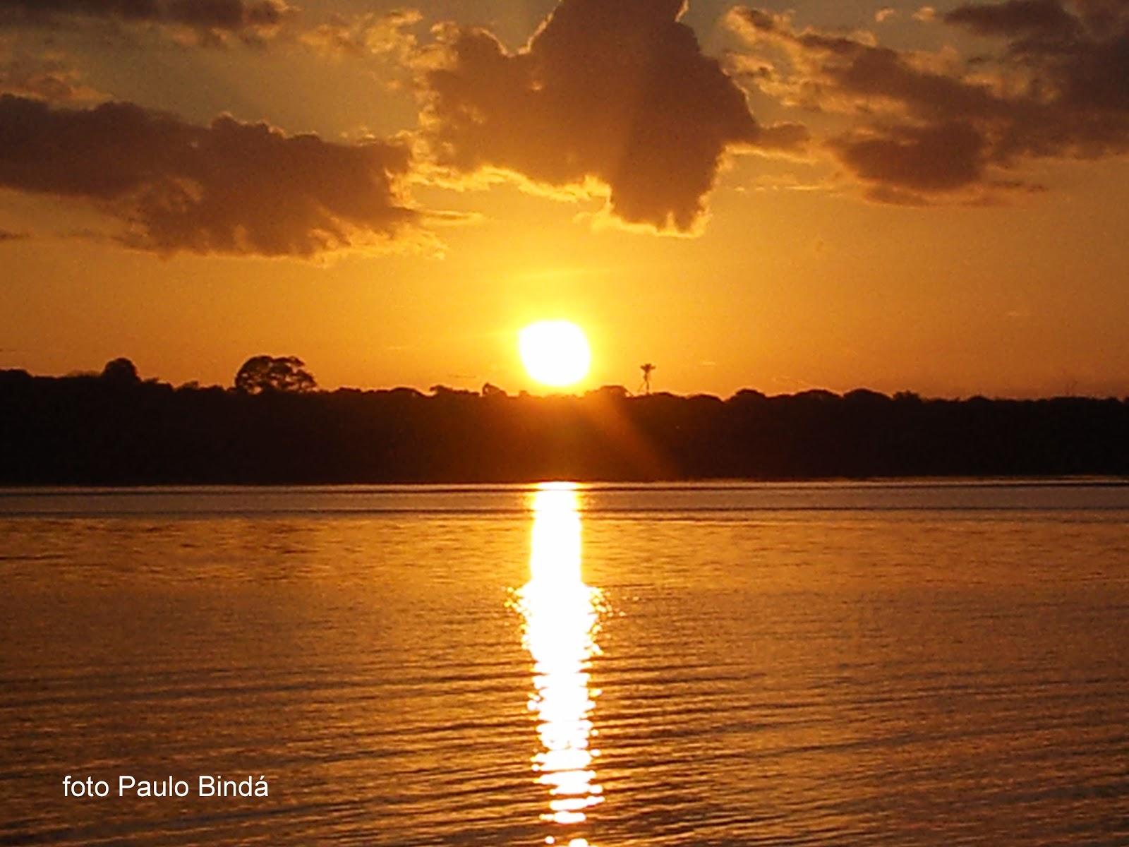 Nascer do Sol na praia da Liberdade, Nhamundá Amazonas Brasil