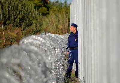 Magyarország, Orbán Viktor, határzár, migráció, Konrád György, Röszke