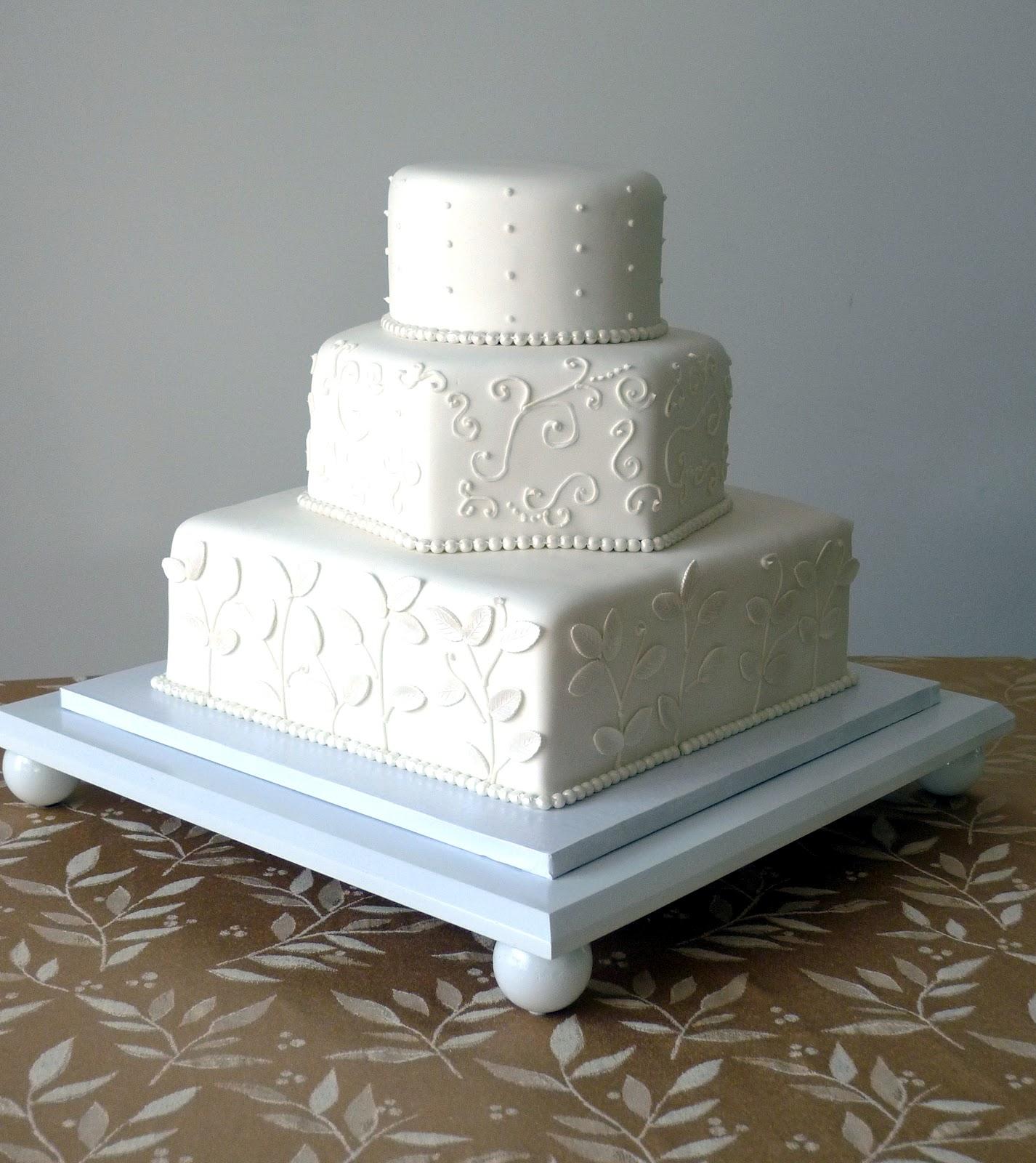 Cakebee Elegant Black & White Wedding Cakes