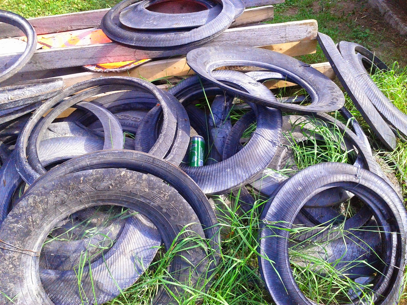 Stock photo: Tires worn down and trashed