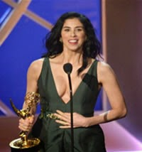 Sarah Silverman Trae a los Premios Emmy 'liquid pot'