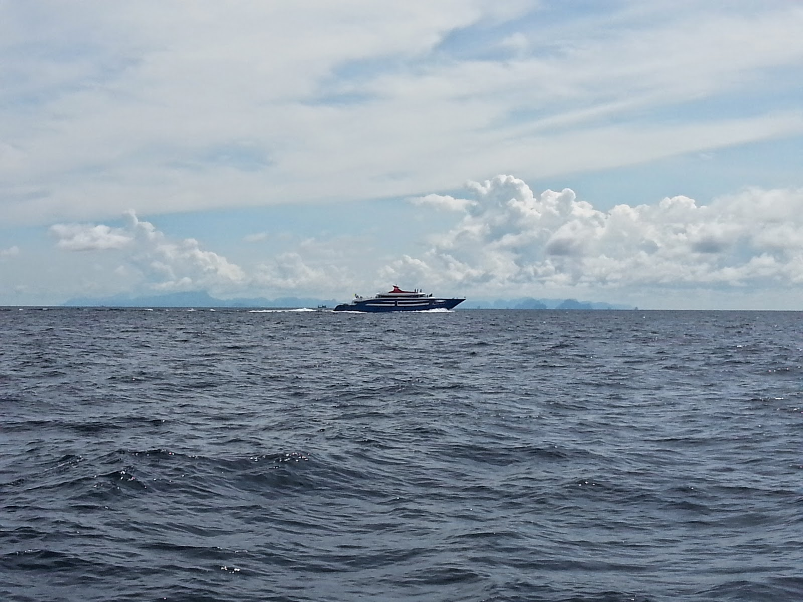 Jet Cruiser 9 on way to Phi Phi in May