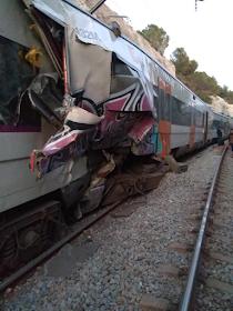 Una colisión entre un Cercanías y un MD de la R4 se salda con una maquinista fallecida y heridos
