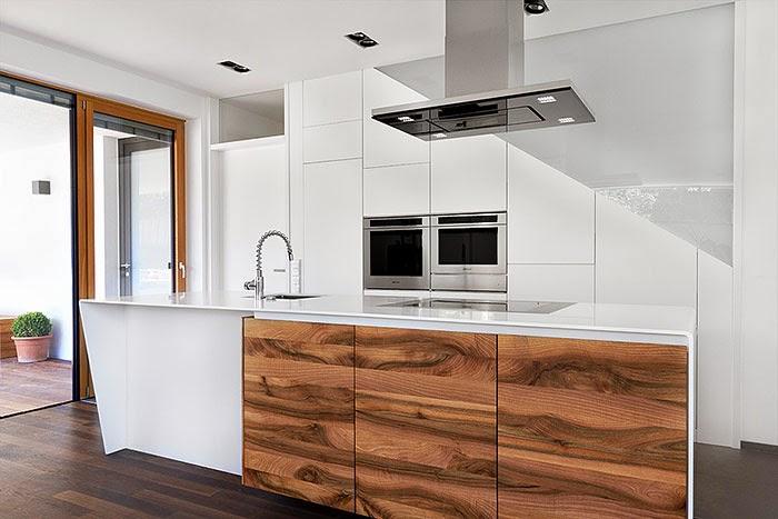 Un contraste natural que rompe la monoton a cocinas con for Cocinas de madera blanca