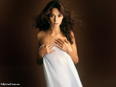 Mallika Sherawat hot photo