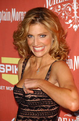 Tricia Helfer Sweet Smile Arriving in Award Show