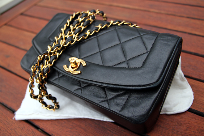 Ostetaan Chanel Laukku : Vintage chanel single flap bag