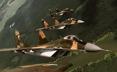 Formação de Mig-29 tchecos.