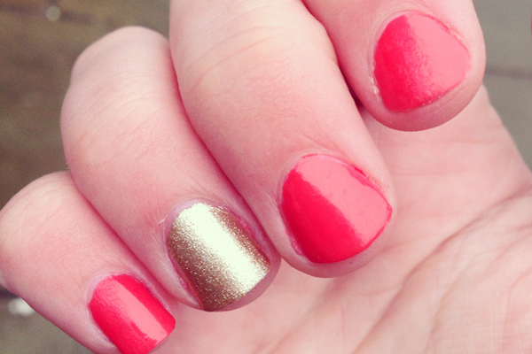 Nails maxfactor max effect nail polish in 01 ivory and 09 diva coral stefytalks stefy - Diva nails and beauty ...