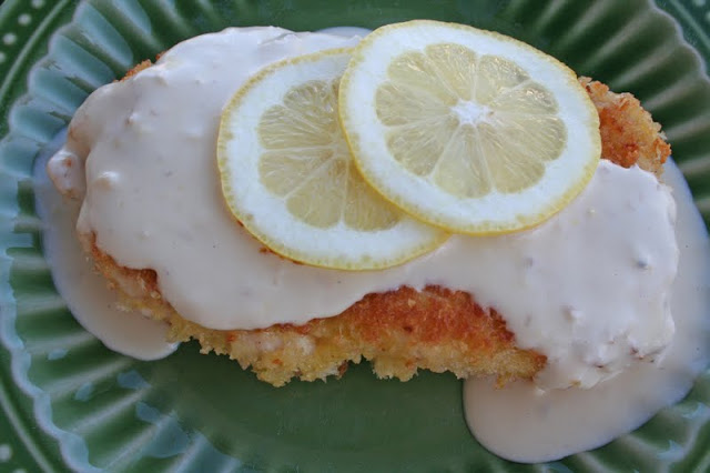 Panko Crusted Chicken with Lemon Cream sauce #copycat #cheesecakefactory ohsweetbasil.com