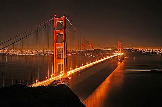 """5 Jembatan Alami Paling Indah Di Dunia - Jembatan yang ada saat ini kebanyakan dibuat oleh manusia namun apa kamu pernah berpikir jika alam ini ternyata bisa membuat jembatanya sendiri. Nah berikut ini ada beberapa jembatan alami tanpa adanya campur tangan manusia, mau tahu jembatan alami apa saja itu, simak berikut ini:  1. Jembatan Golden Gate, San Francisco, Amerika Serikat     Dari banyak jembatan di dunia, mungkin Golden Gate adalah salah satu jembatan yang paling banyak difoto. Jembatan yang menghabiskan dana kurang lebih $ 27 juta ini benar-benar menjadi salah satu landmark paling terkenal dari San Francisco, dan menjadi salah satu jembatan yang paling populer di dunia.  2. Jembatan Chengyang, Sanjiang, Cina        Dibangun oleh orang-orang Dong. Jembatan Chengyang atau yang juga dikenal dengan nama """"Jembatan Angin dan Hujan Chengyang"""" merupakan jembatan yang luar biasa dari segi arsitekturnya. Dibangun hanya menggunakan konstruksi batu dan kayu, Jembatan Chengyang benar-benar memperlihatkan keunikan arsitektur Cina pada masa lalu."""
