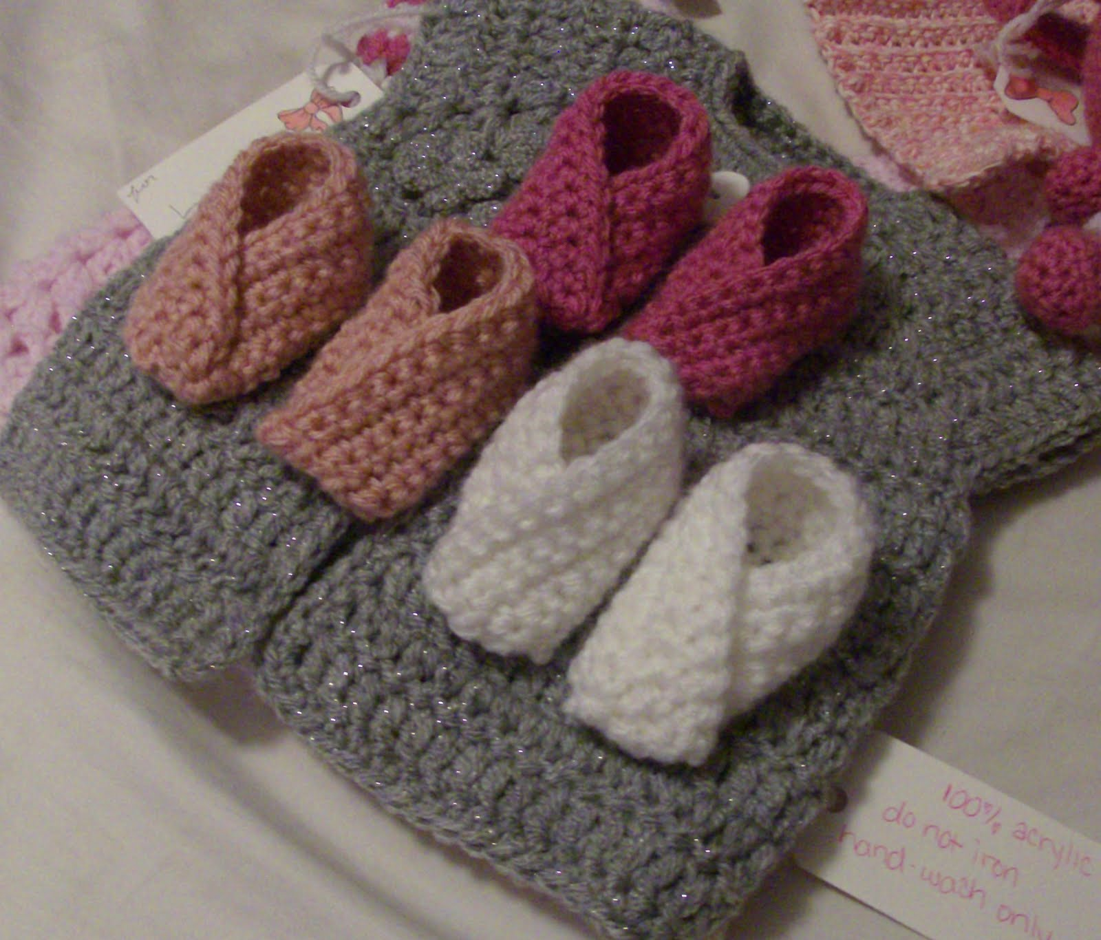 Beginner Crochet Baby Booties Pattern Free : NEW 193 CROCHET BABY BOOTIES PATTERN FREE BEGINNERS baby ...