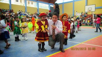 GOBERNADOR DE YUNGAY EN ACCIÓN CÍVICA A LA INFANCIA DE LA CIUDAD DE YUNGAY