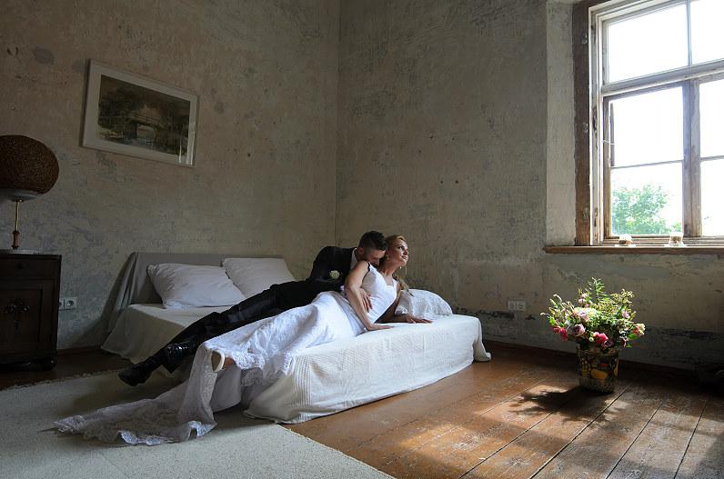 vestuvių fotosesesija jakiškių dvare