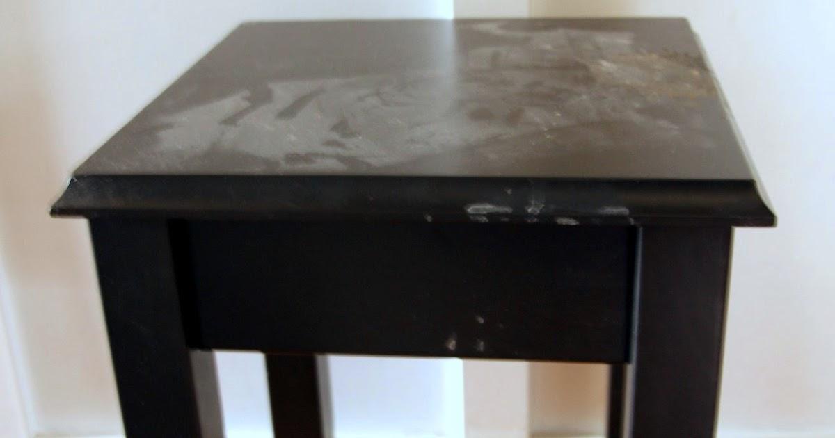 La porte rouge ikea hack tables de chevet for Table de chevet rouge ikea