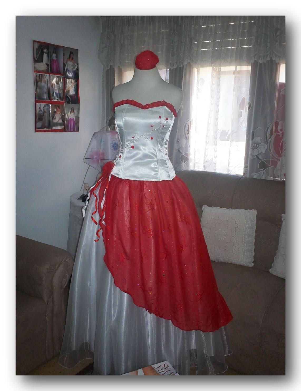 vestido de 15 anos rojo y blanco