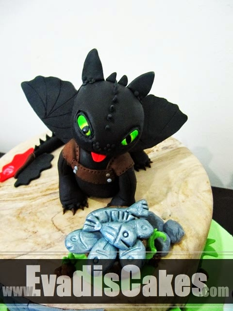 Close view picture of Toothless dragon cake