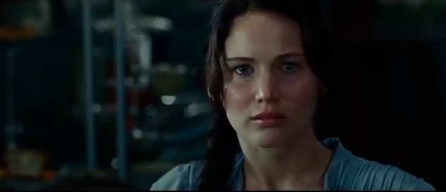 jennifer lawrence as katniss everdeen in the hunger games film adaptation