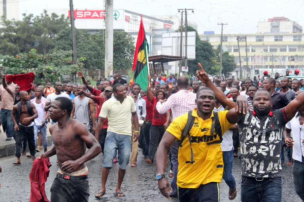 People take to the street in Protests over Nnamdi Kanu arrest.