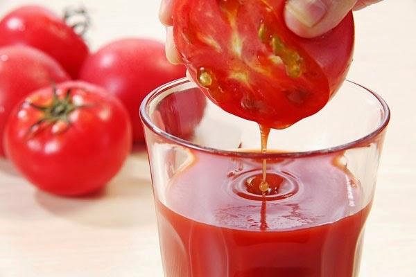tri nam da bằng cà chua