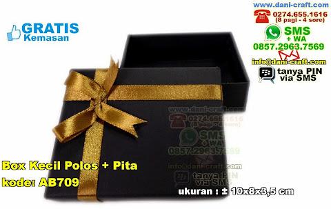 Box Kecil Polos Pita