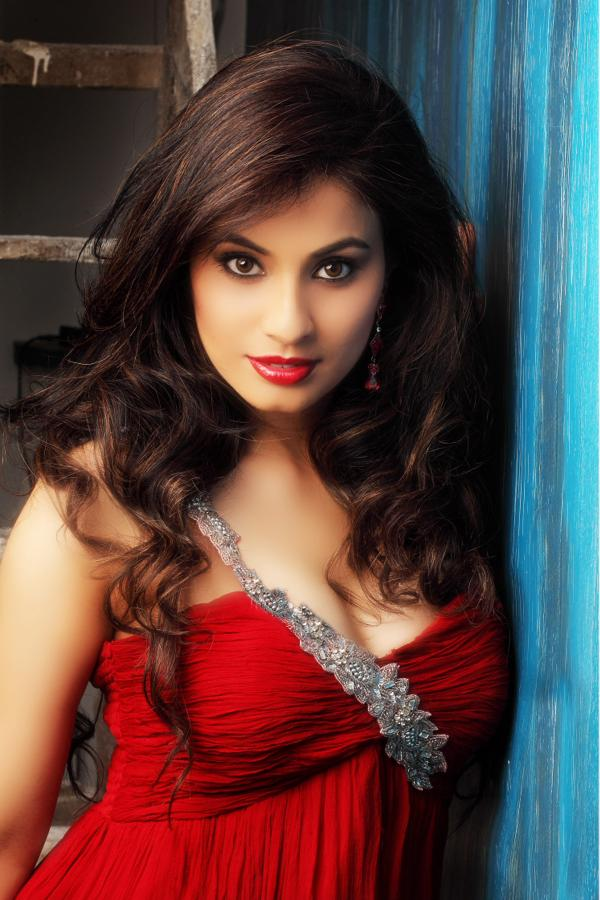 Manisha Kelkar Latest Hot Stills