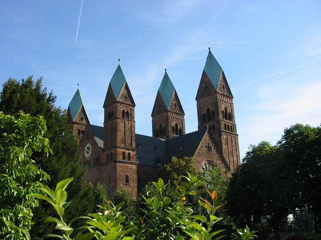 Die vier Türme der Erlöserkirche Bad Homburg